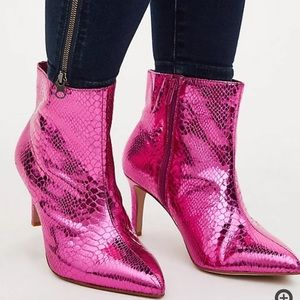 NWT Torrid Hot Pink Snakeskin Faux Leather Boots